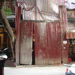 2010 – Altstadt Hanoi - Eingang zur Baustelle vom späteren Hotel Viethouse Hanoi