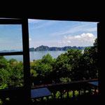 2009 – traumhafter Ausblick von der Lodge auf die Halong Bucht