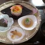 ひな祭り御膳(ちらし寿司・れんこんしんじょう・蛤すまし汁・いちごゼリー)