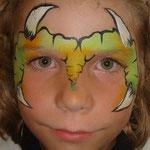 Kinderschminken von den Facepainteres beim Schulfest in Petkum