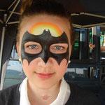 Kinderschminken von den Facepainters beim Sommerfest des Elternvereins krebskranker Kinder bei Tamme Hanken