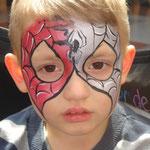 Kinderschminken von den Facepainters aus Hinte als Spiderman