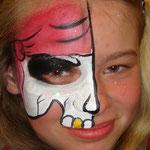 Gesichtsbemalung am verkaufsoffenen Sonntag im Multi Emden von den Facepainters