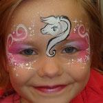 Kinderschminken von den Facepainters für die SKN bei der Messe Fleisch & Knolle in Norden