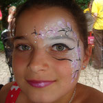 Kinderschminken beim Pilsumer Hafenfest