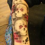 Airbrush Tatoo Totenköpfe von den Facepainters für das Möbelhaus Konken in Leer