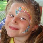 Kinderschminken von den Facepainters beim sommerfest des Elternvereins krebskranker Kinder