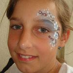 Kinderschminken von den Facepainters beim Schulfest in Petkum