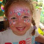Kinderschminken von den Facepainter beim Pilsumer Hafenfest