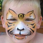 Kinderschminken als Tiger von den Facepainters aus Hinte