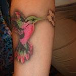 Airbrush Tattoo Kolibri von den Facepainters im Einrichtungszentrum Konken in Leer