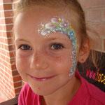Kinderschminken von den Facepainters beim Tag der offenen Tür der Emder Stdtwerke