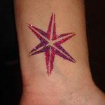 Stern Glitter Tattoo von den Facepainters in Hinte Emden Leer Aurich Norden & Krummhörn