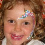 Kinderschminken beim Burgfest in Pewsum mit den Facepainters aus Hinte