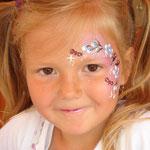 Kinderschminken von den Facepainters für den Bürgerverein Haskamp in Hinte