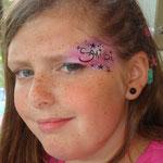 Kinderschminken von den Facepainters beim Elternverein krebskranker Kinder