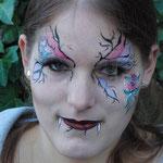 Vampirlady gemalt von den Facepainters in Hinte Emden Aurich Leer Norden Krummhörn