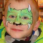 Kinderschminken von den Facepainters im DM Markt im DOC Emden