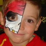 Kinderschminken am cerkaufsoffenen Sonntag im Multi Emden von den Facepainters