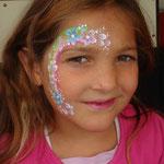 Kindershcminken von den Facepainters auf dem Straßenfest Moordorf