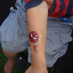Spiderman Tattoo von den Facepainters im Van Ameren Bad in Emden zur Gruselnacht