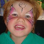 Kinderschminken von den Facepainers beim Pilsumer Hafenfest