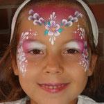 Kinderschminken von den Facepainters beim Taga der offenen Tür der Emder Stadtwerke