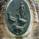 Relief am Denkmal - Gänsehüter -