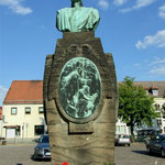 Gneisenaudenkmal auf dem Marktplatz in Schildau