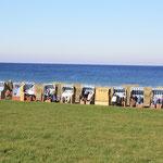 In der Vorsaison kann man die Strandkörbe kostenlos nutzen