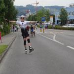 Typisch Dinu:-) (Nach 41 km Wettkampf, etwa 500m vor dem Ziel!!!!) Das nennt er Zielsprint!!!