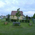 19.05.2012 - Beim 10. Partnerschaftstreffen im Jahre 2002 wurde in Juniville ein Baum aus Crawinkel gepflanzt.