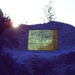 9. August 2006 Befestigung der Tafel - Archiv Peter Schmidt