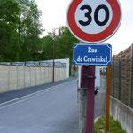 """19.05.2012 - Beim 10. Partnerschaftstreffen im Jahre 2002 in Juniville wurde eine Straße in """"Rue de Crawinkel"""" benannt."""