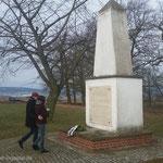 4. April 2015 - Kranzniederlegung Massengrab am Stotternhain, Foto: Klaus-Peter Schambach