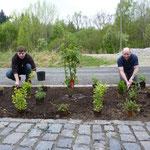 01.05.2010 - neuer und alter Bürgermeister bei der Arbeit - Onno Eckert (l.) und Stefan Schambach (r.)