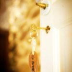 détail du porte clef de la porte Chambre Tatihou