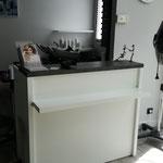 Agencement salon de coiffure sur mesure  panneau mélaminé et stratifié