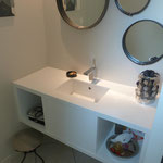 Fabrication meuble salle de bains médium laqué sur mesure