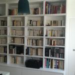 Fabrication bibliothèque sur mesure hêtre massif laqué blanc