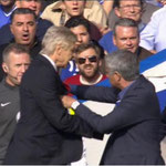 La mini pelea de Wenger y Mourinho.