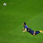 El golazo de un superhéroe en el Mundial de Brasil: Van Persie.