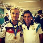 Mario Götze tras la final, le pidió una foto a Lionel Messi.
