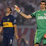Barovero le atajó el penal al Puma Gigliotti en el Superclásico.