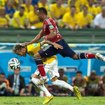 El rodillazo de Zúñiga a Neymar que le quebró una vértebra.