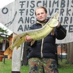 natürlich fischen wir auch mal fremd: Hecht 104cm, gefangen an der Müritz