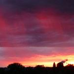vom Balkon... Regen und Sonnenuntergang-eine malerische Kombination