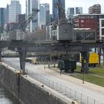 Deutschherrenbrücke mit Blick zum Oosten (ehemalige Werft)