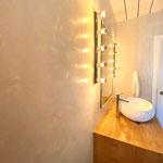 Badezimmer in Kalkglätte 2016 Eingefärbt mit Dullinger Naturpigmenten