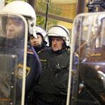 Massives Polizeiaufgebot - kein Durchgang - auch nicht für Journalisten!